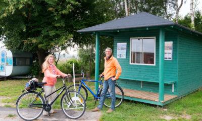 Cykelturister på Bogø Havn