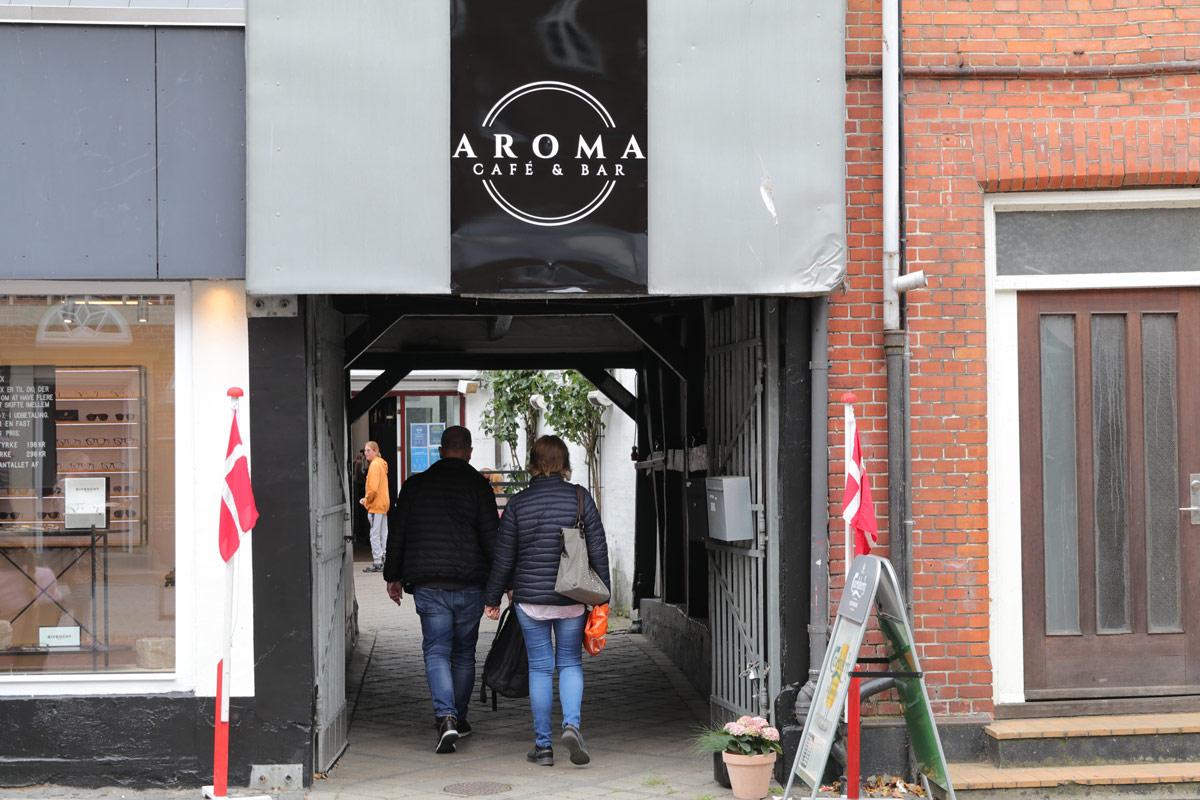 Aroma-cafe-og-bar-i-Vordingborg-Algade-indgang-IMG_6698