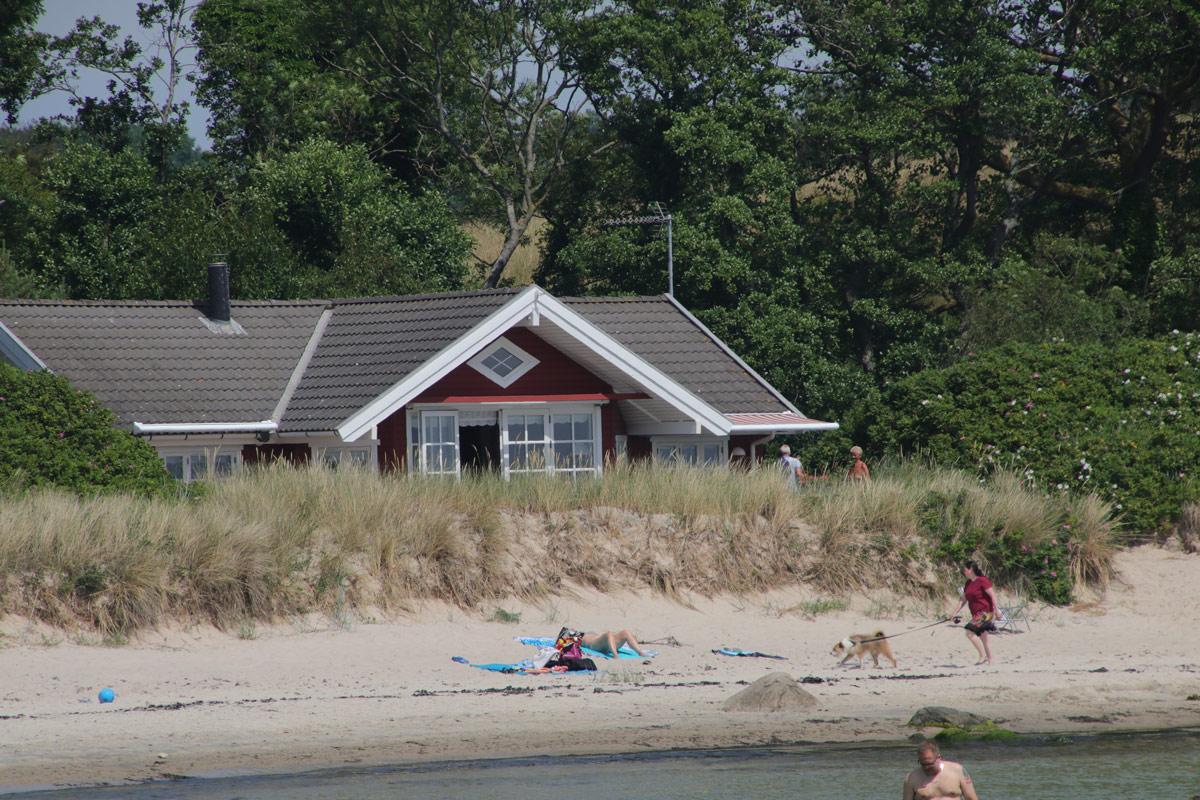 Bornholm-sommerhus-sommerstemning-strand-Boderne-IMG_6522
