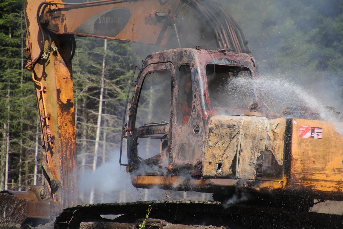 Brand-i-gravemaskine-i-skov-ved-Mern-indsatsleder-Knud-Døssing--IMG_7243