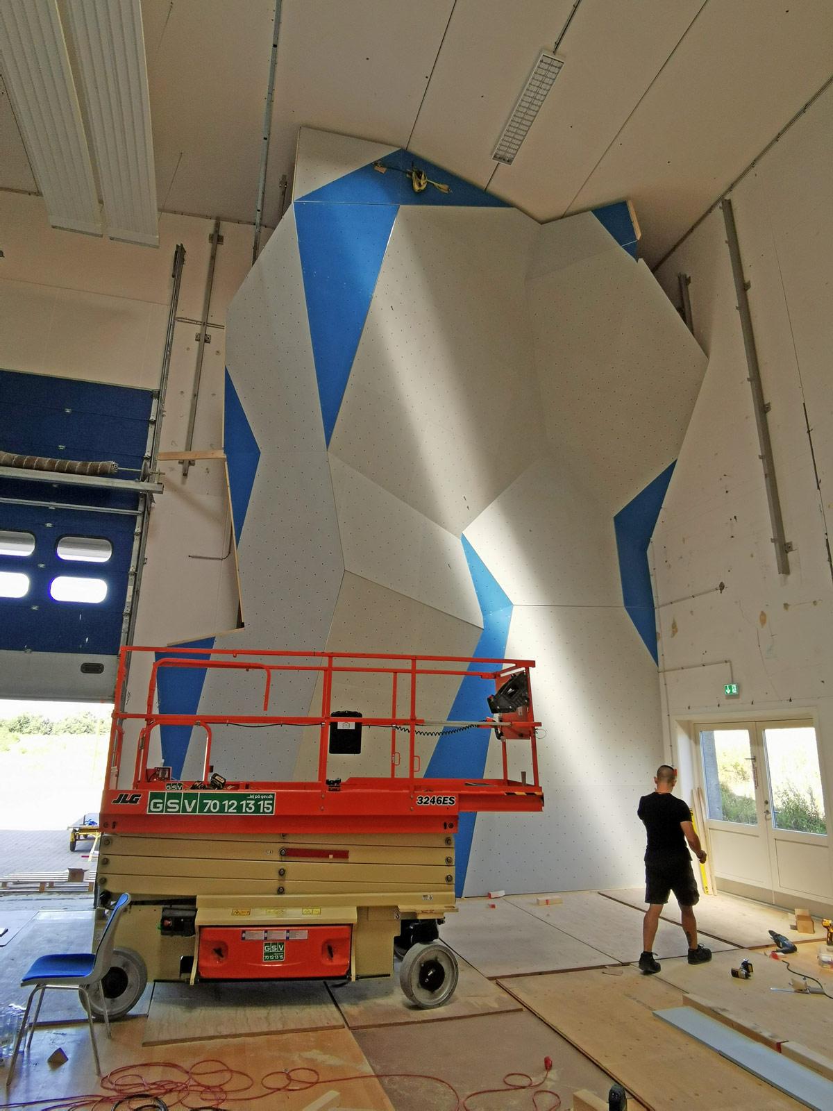 Sydsjællands-Klatreklub-bygger-i-DGI-Huset-x