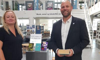 Borgmester-Mikael-Smed-og-bibliotekar-Mette-Storm-x