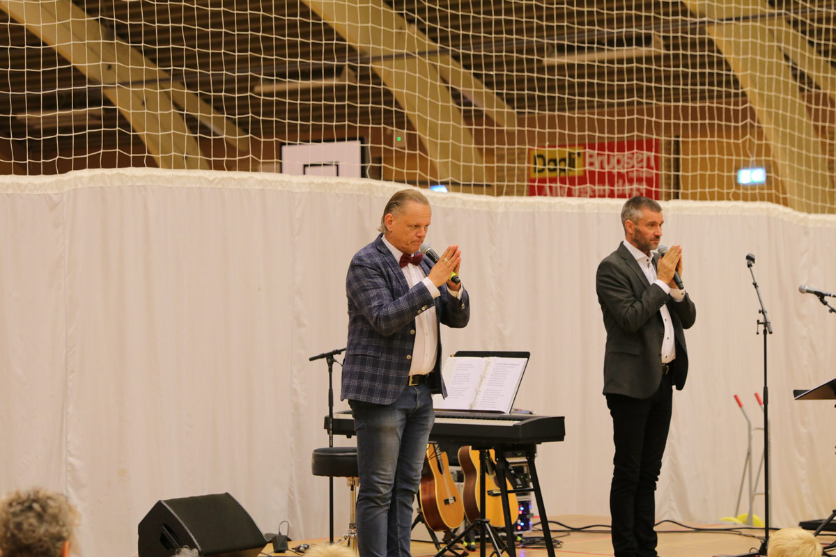 Sigurd-Barrett-og--Eskild-Dohn---koncert-i-Stensved-Langebækhallen-Stesnved-Sogn-IMG_7893