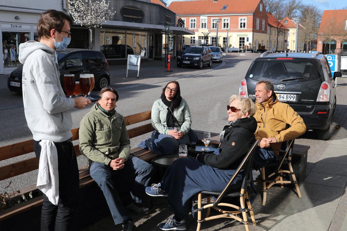 Cafe cafestemning, fortovscafe Stege på Møn Baryhl Bar og Cafe