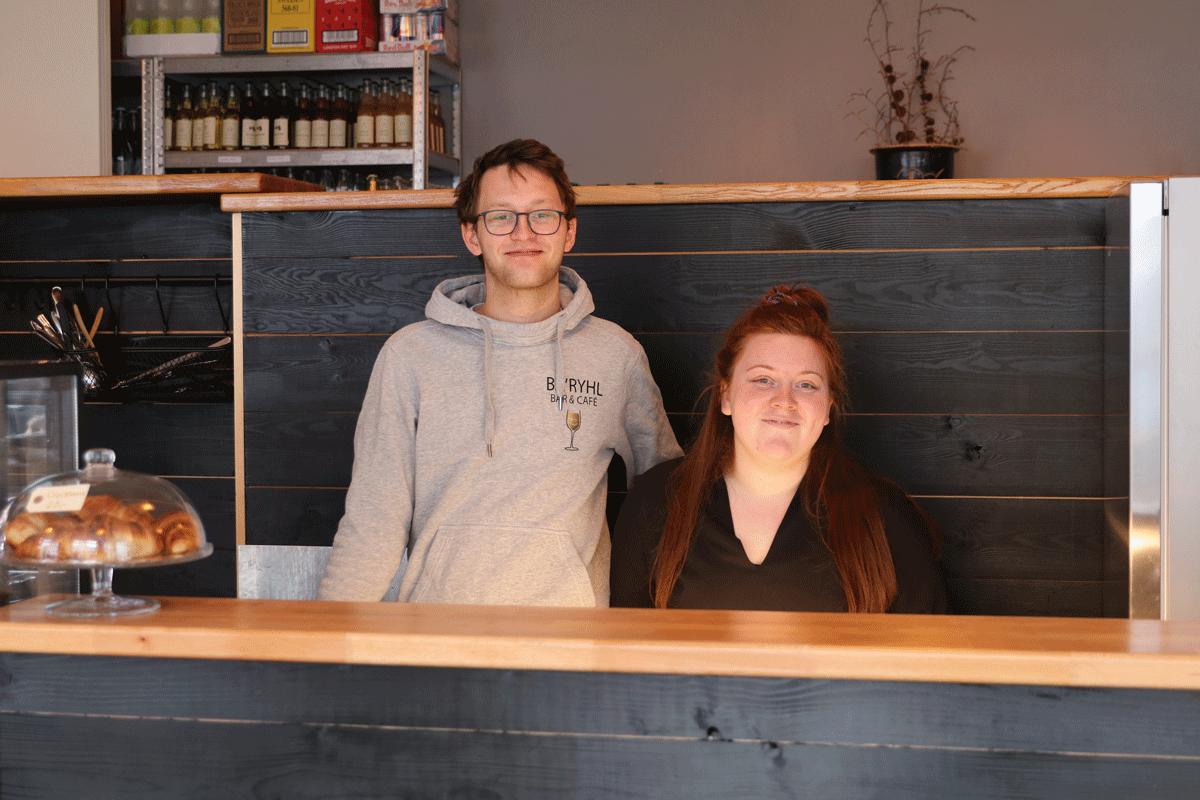 Simon og Amanda, indehaver afBa`ryhl Bar & Cafè